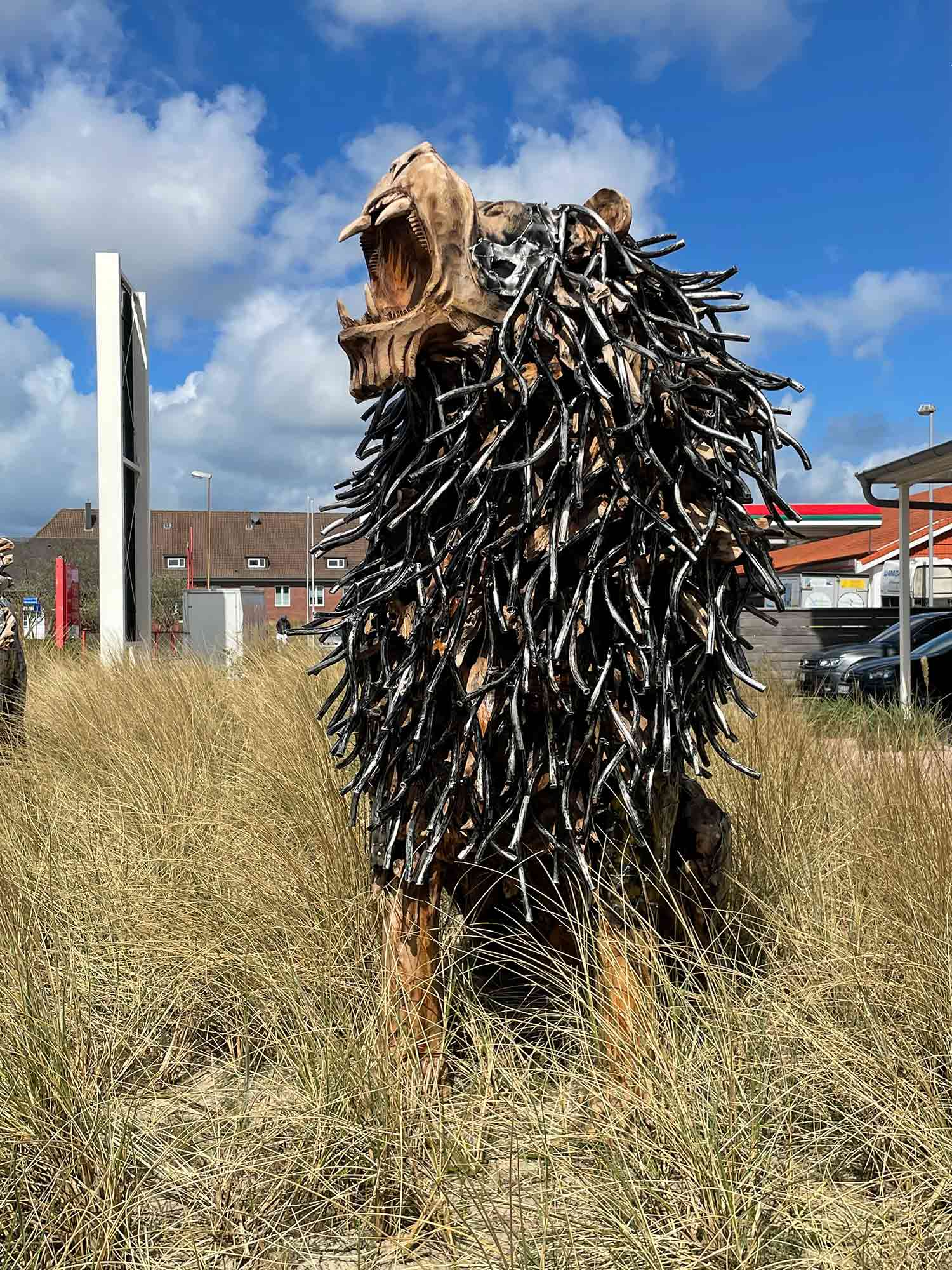 Teakholz-Skulptur Löwe, brüllend